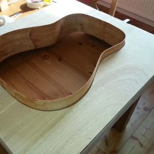 Bau einer Dreadnought Westerngitarre - Die Zargen